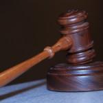 W wielu przypadkach obywatele potrzebują pomocy prawnika